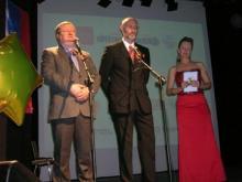 С приветственным словом к участникам фестиваля обратился посол Российской Федерации в Испании Александр Кузнецов (первый слева)
